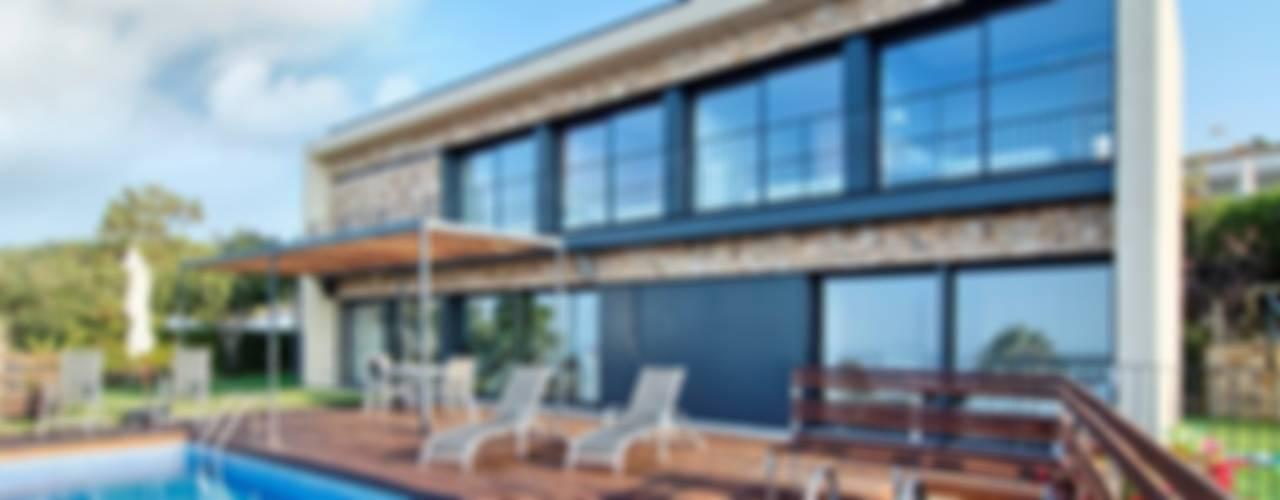 TOSSA DE MAR Casas de estilo mediterráneo de HOUSE HABITAT Mediterráneo