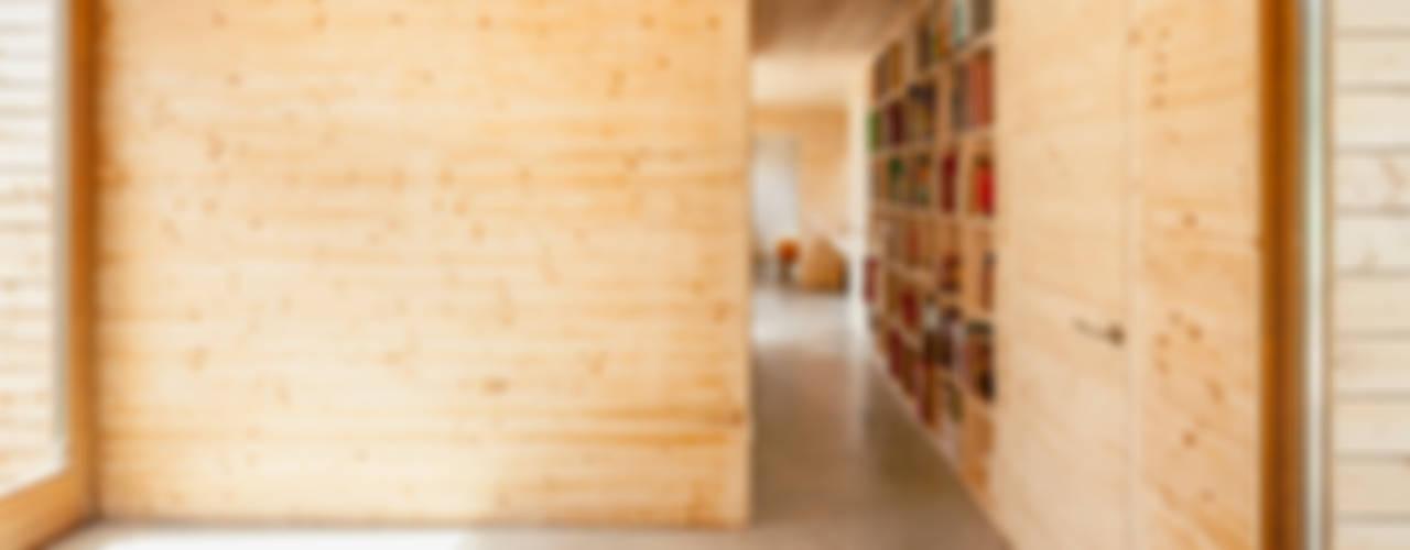 Casa GG Pareti & Pavimenti in stile moderno di Alventosa Morell Arquitectes Moderno