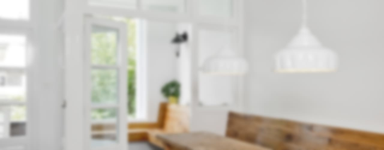 Renovatie appartement te Amsterdam:  Keuken door Kodde Architecten bna