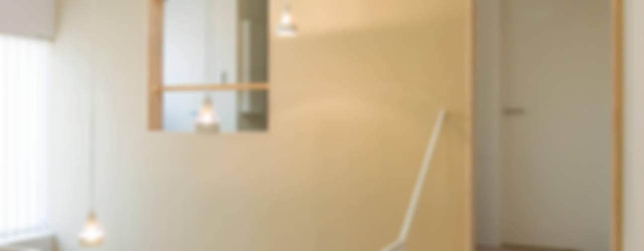 木場の住宅 オリジナルデザインの リビング の 山本陽一建築設計事務所 オリジナル