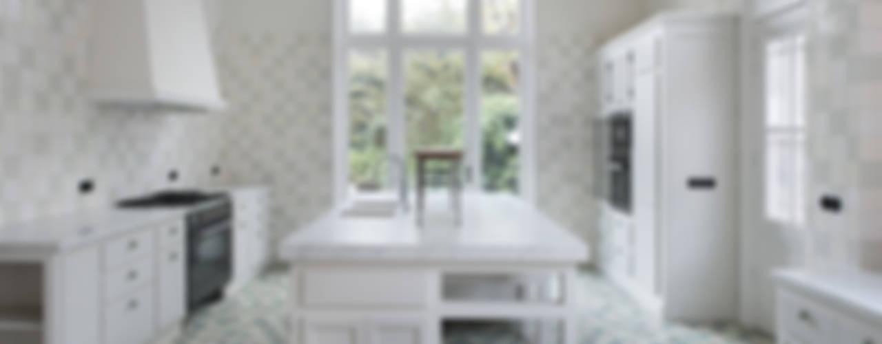 Renovatie herenhuis te Den Haag:  Keuken door Kodde Architecten bna,