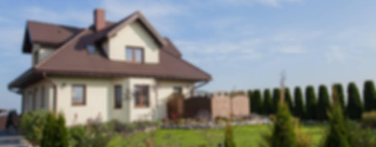 Sceny Domowe Klassische Häuser