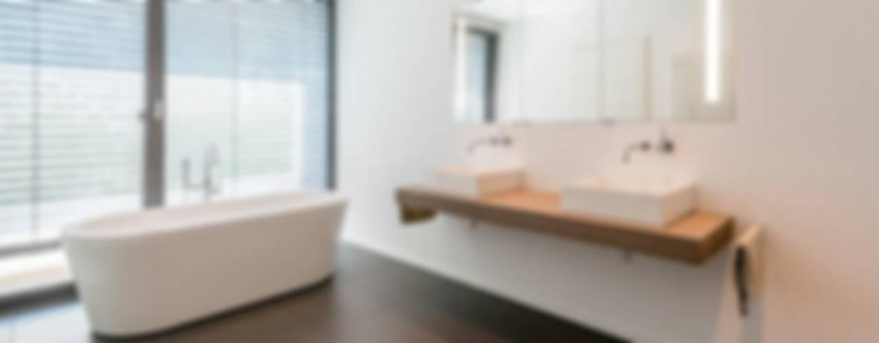Ванные комнаты в . Автор – K6architekten, Минимализм