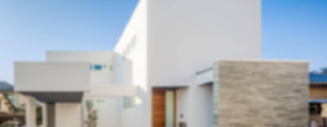 Дома в стиле модерн от 株式会社細川建築デザイン Модерн