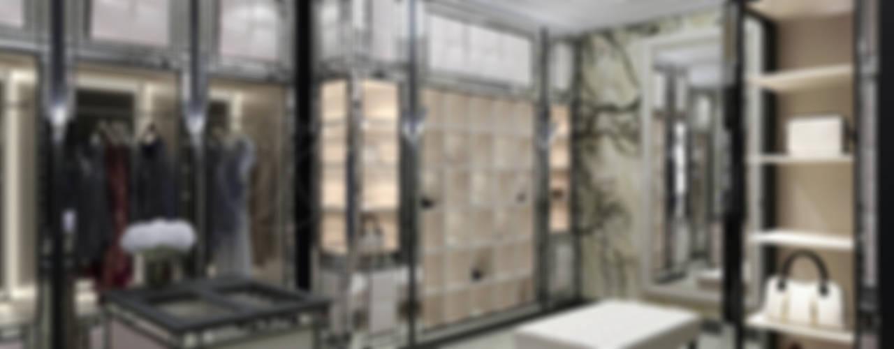 Wheatley Rd. Residence. Частный дом на Wheatley Rd.: Гардеробные в . Автор – NEUMARK, Эклектичный