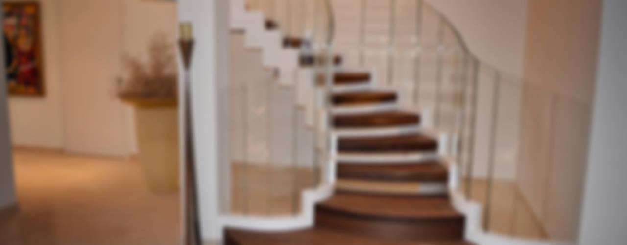 Siller Treppen/Stairs/Scale Escaleras Madera Acabado en madera