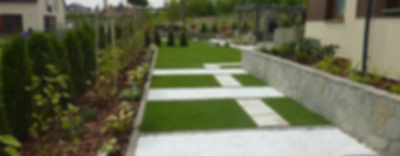 WSZYSTKO DO TWOJEGO OGRODU: styl , w kategorii Ogród zaprojektowany przez Centrum Ogrodnicze GardenPol,Minimalistyczny