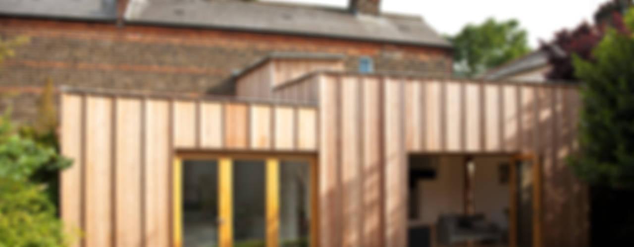 Timber Fin House Neil Dusheiko Architects Moderne Häuser