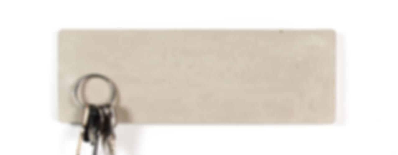 KONKRET – magnetisches Schlüsselbrett aus Beton BLOQform Flur, Diele & TreppenhausAufbewahrungen