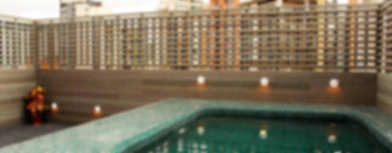 Apartamento Klabin: Piscinas  por ODVO Arquitetura e Urbanismo