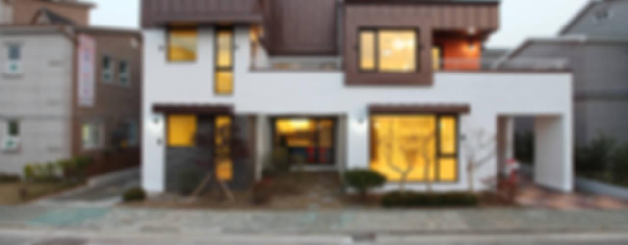 '한지붕 두가구가 사는집' 하남주택 모던스타일 주택 by 주택설계전문 디자인그룹 홈스타일토토 모던