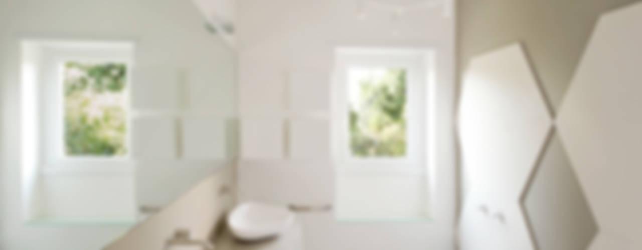 stefania eugeni Minimalist style bathrooms