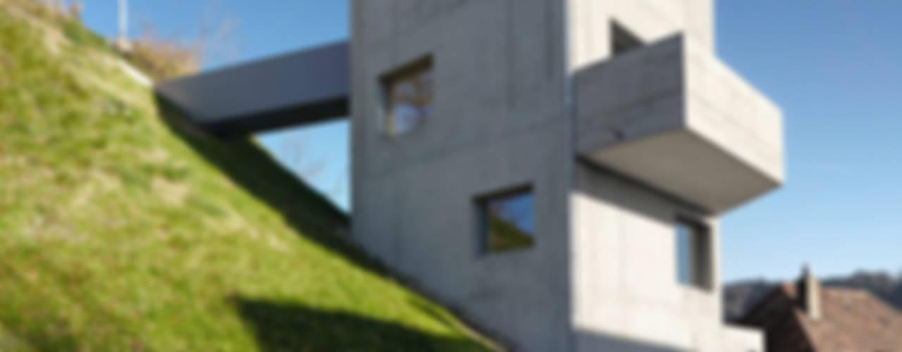 Casas minimalistas de Translocal Architecture Minimalista