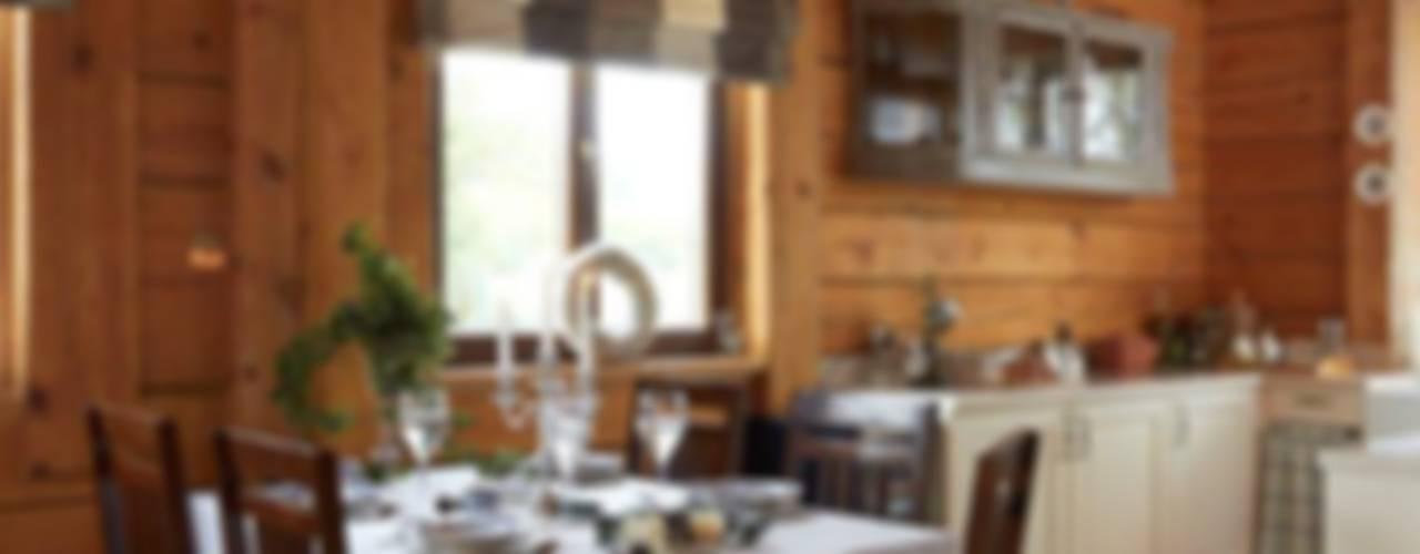 W świerkowych ścianach: styl , w kategorii Jadalnia zaprojektowany przez Pracownia Projektowa Poco Design,Rustykalny