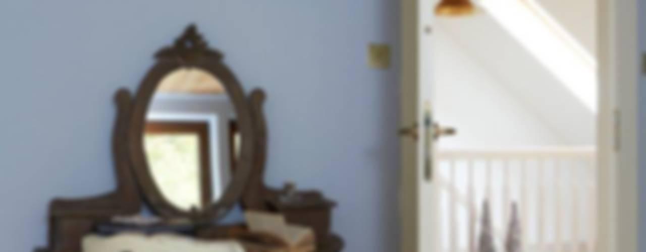 Pracownia Projektowa Poco Design Camera da letto in stile rustico