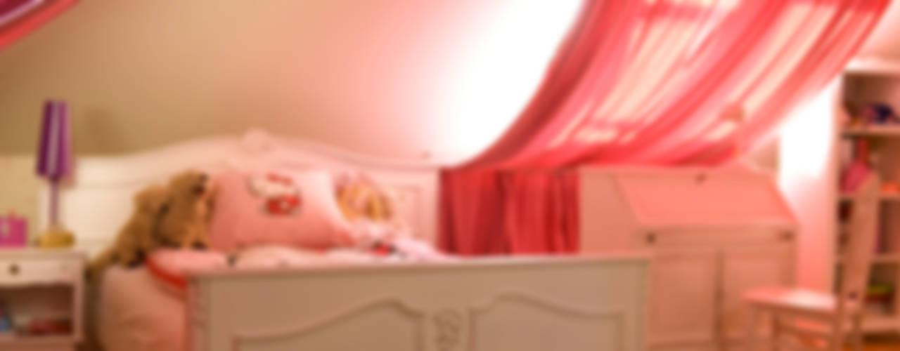 Dom Tancerzy: styl , w kategorii Pokój dziecięcy zaprojektowany przez Pracownia Projektowa Poco Design,Klasyczny