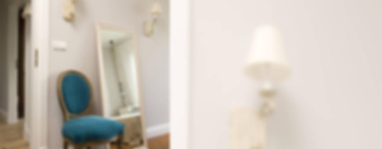 Pastelowy Wilanów Klasyczna sypialnia od Pracownia Projektowa Poco Design Klasyczny