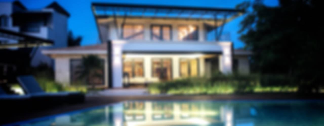 Casa SDLV: Albercas de estilo  por sanzpont [arquitectura]