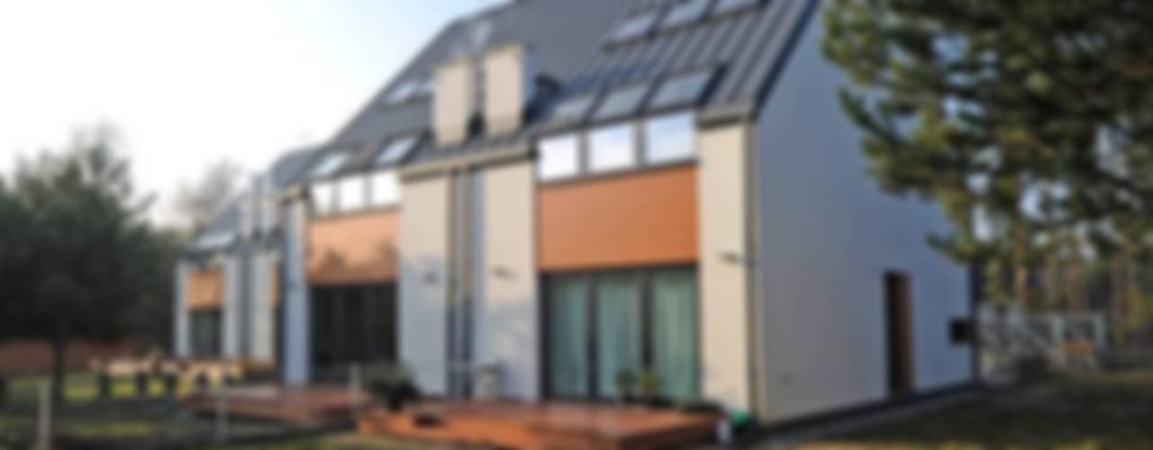 DOMY - zdjęcia z realizacji: styl , w kategorii Domy zaprojektowany przez ILLUMISTUDIO,Minimalistyczny