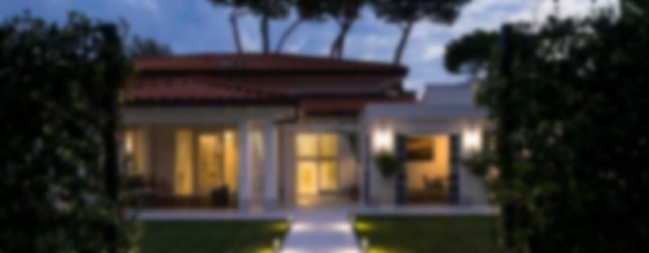 VILLA FORTE dei MARMI -LU- ITALY Case eclettiche di Studio Architettura Carlo Ceresoli Eclettico