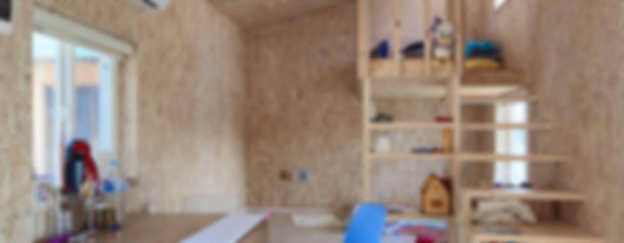 lokaldesign Pasillos, vestíbulos y escaleras de estilo rústico