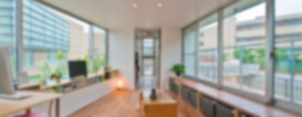 ​River side house / House in Horinouchi Moderne woonkamers van 水石浩太建築設計室/ MIZUISHI Architect Atelier Modern