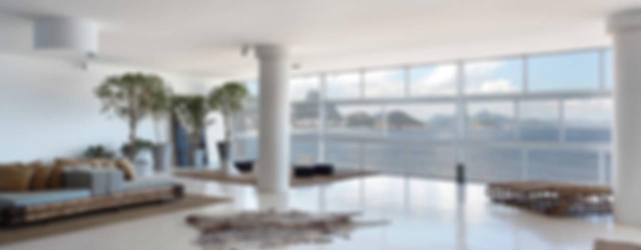 Copacabana 540m² Salas de estar modernas por House in Rio Moderno