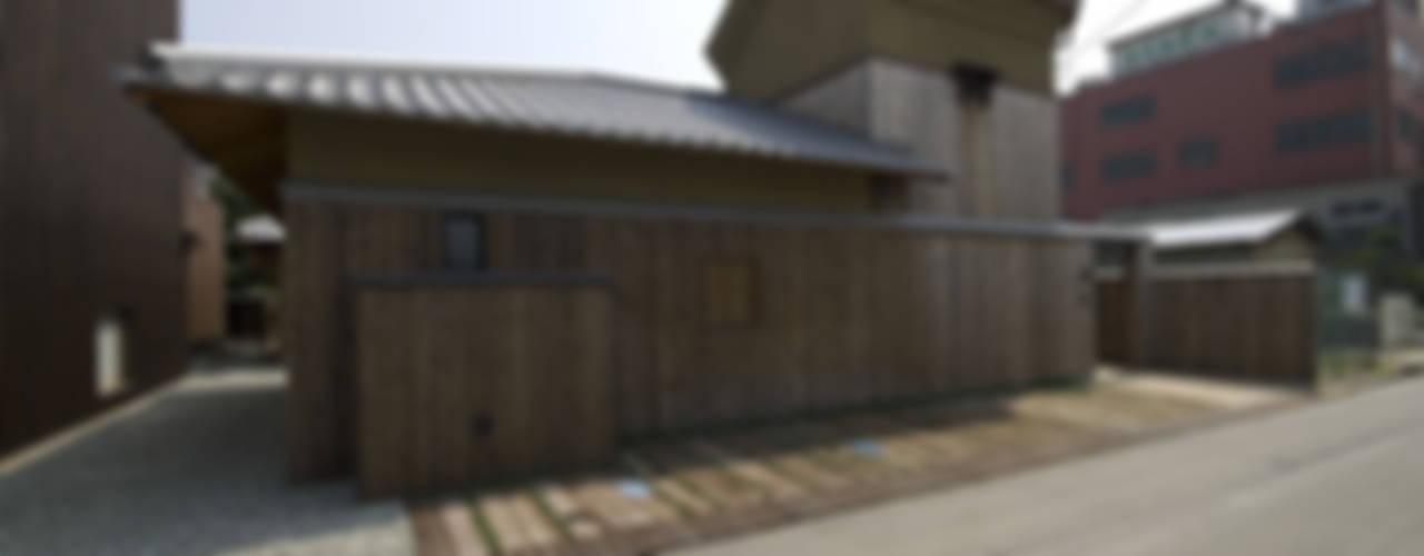 バリアフリー和風住宅/地の家: 森村厚建築設計事務所が手掛けた家です。