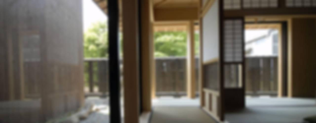 バリアフリー和風住宅/地の家 和風の 玄関&廊下&階段 の 森村厚建築設計事務所 和風