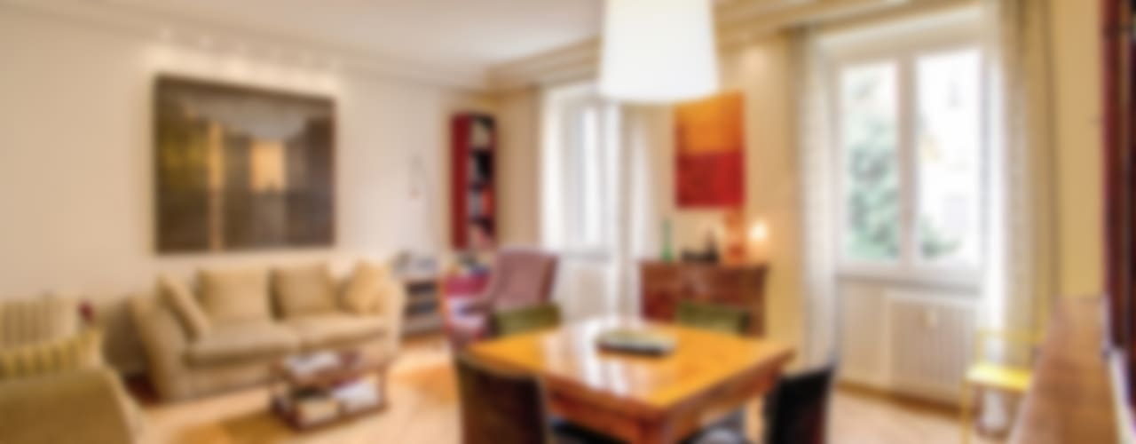 Un Appartamento Moderno che Usa un Arredamento Classico