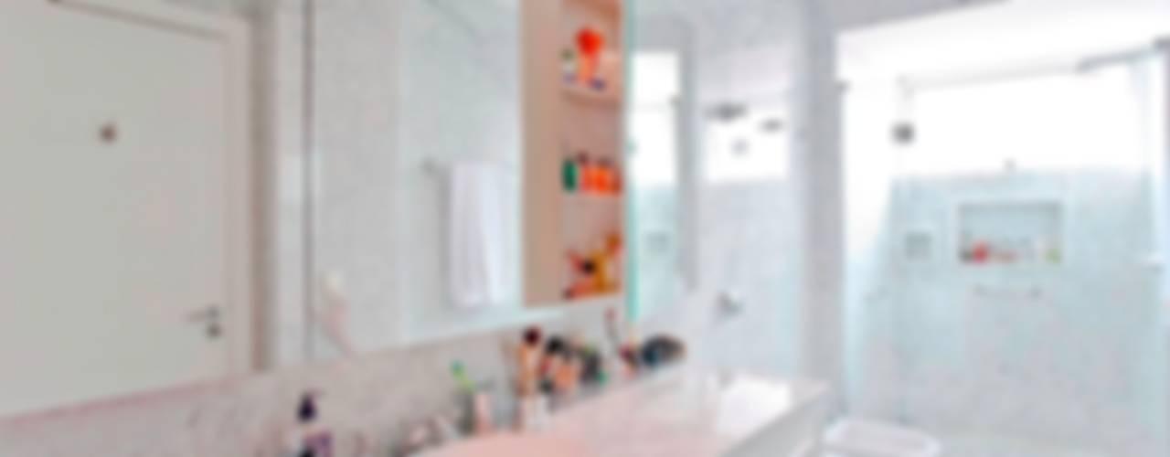 Higienópolis Banheiros clássicos por Pereira Reade Interiores Clássico
