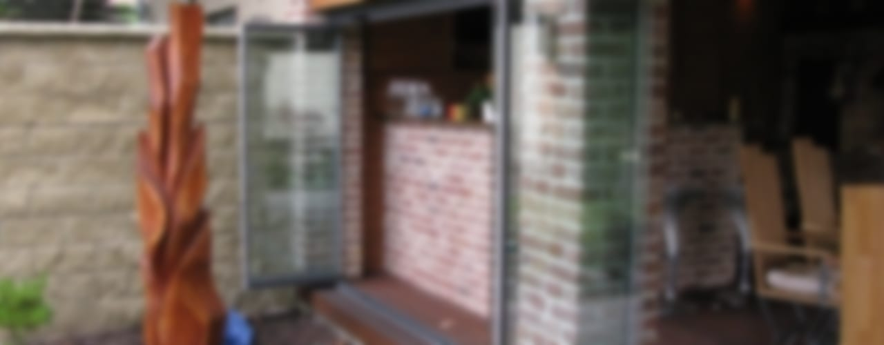 Classic style balcony, veranda & terrace by SUNFLEX Aluminiumsysteme GmbH Classic