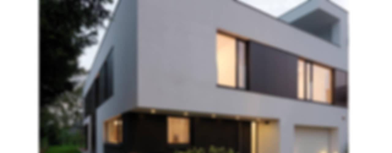 Dom 175 Warszawa: styl , w kategorii Domy zaprojektowany przez Jednacz Architekci,Minimalistyczny