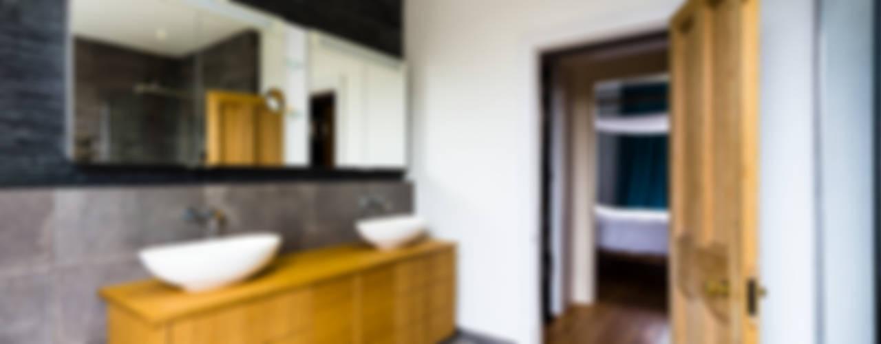 Modern Bathroom Design and Installation: Clapham, London Affleck Property Services Modern Bathroom