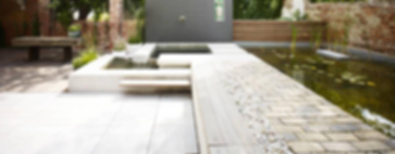 Minimalistyczny ogród od Eilmann Architekturbüro Minimalistyczny