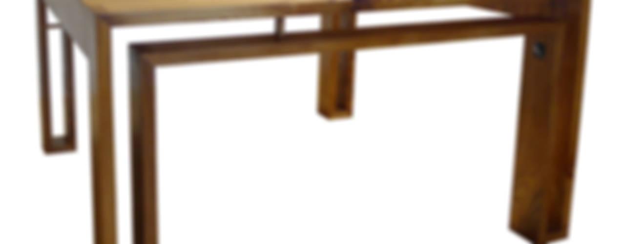 Vierkante iepenhouten tafel. :   door wilfred kalf,