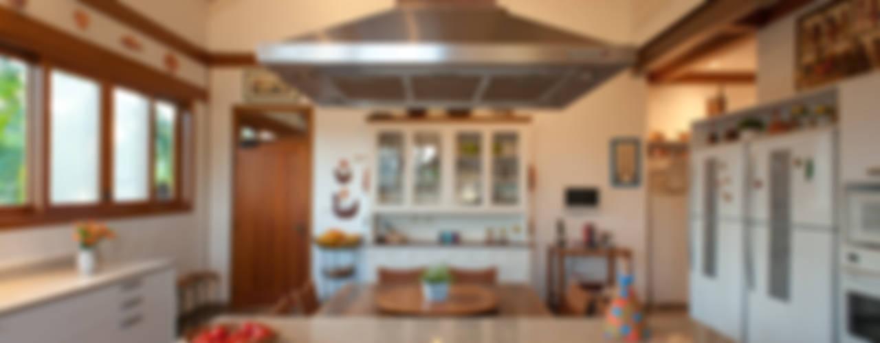 Cocinas de estilo rústico de PM Arquitetura Rústico