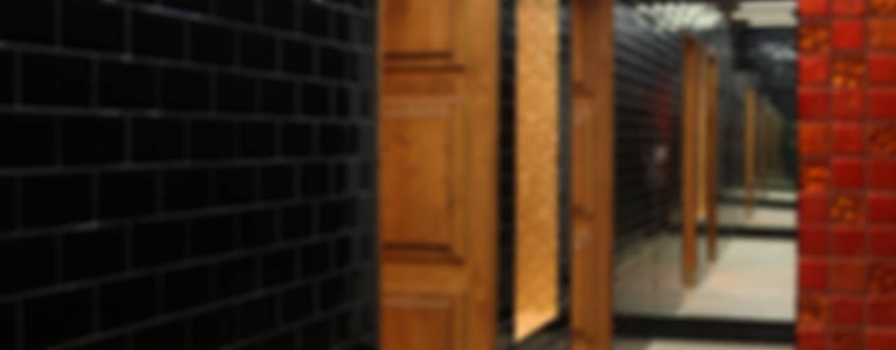 KALORIAS Linda-a-Velha | Vestiários Principais Ginásios ecléticos por Estúdio AMATAM Eclético