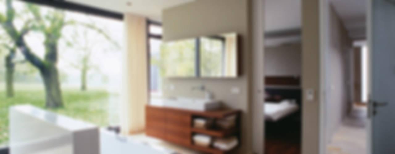 Modern bathroom by Markus Gentner Architekten Modern