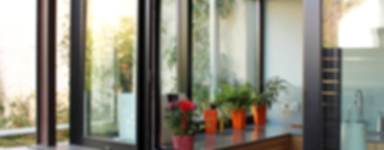 Ventanas de estilo  por Atelier d'architecture Pilon & Georges, Moderno