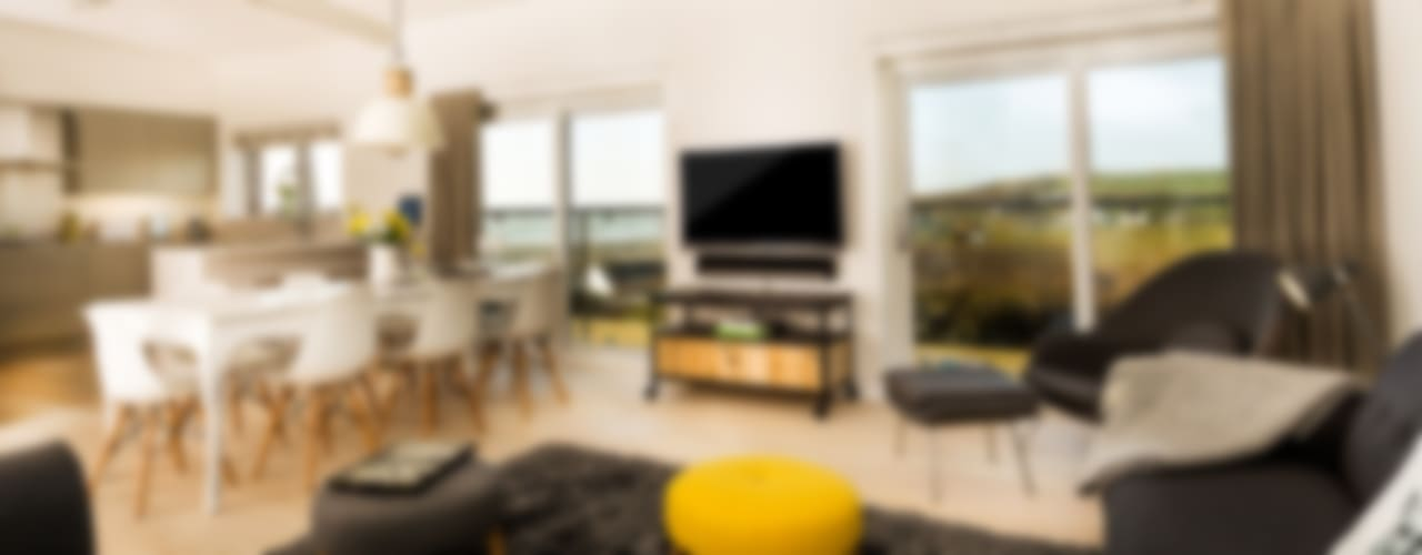 Sundown, Widemouth Bay, Cornwall Modern living room by The Bazeley Partnership Modern
