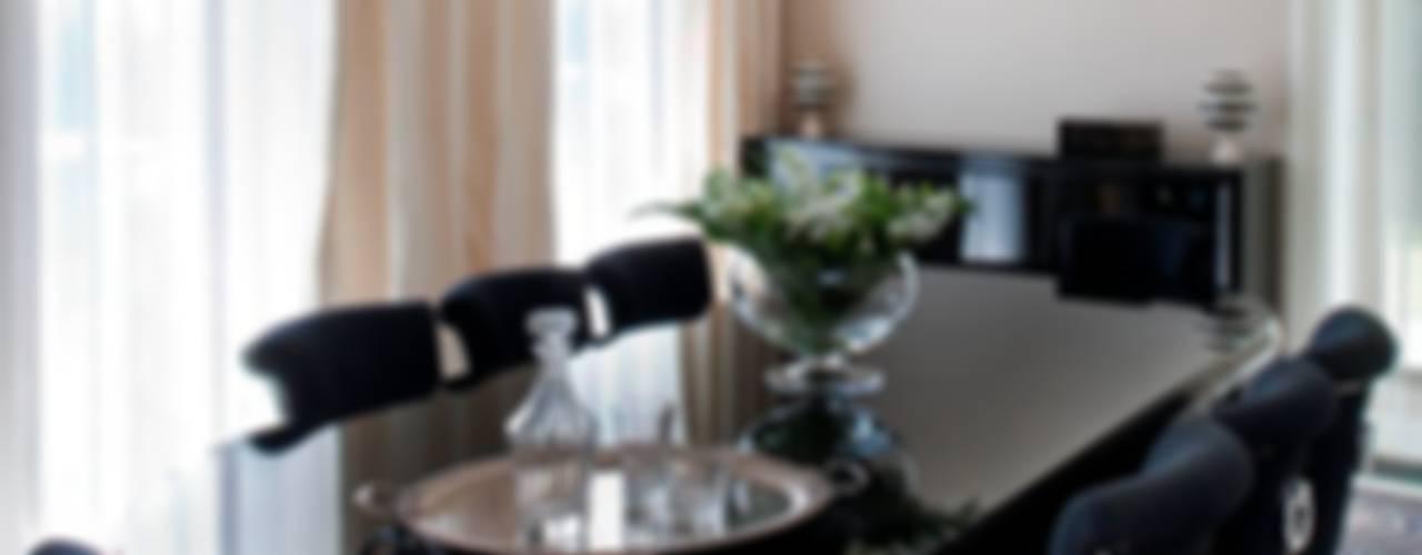 Dom - Konstancin Eklektyczna jadalnia od living box Eklektyczny