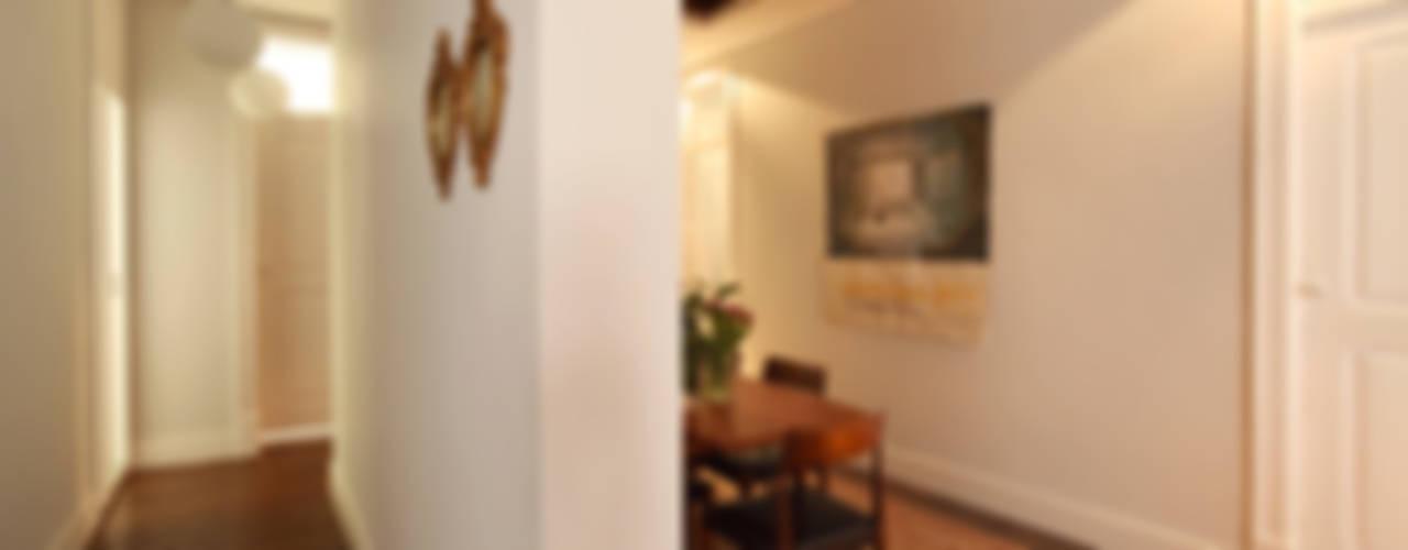 Apartamento Saldanha_Reabilitação Arquitectura + Design Interiores Salas de jantar ecléticas por Tiago Patricio Rodrigues, Arquitectura e Interiores Eclético