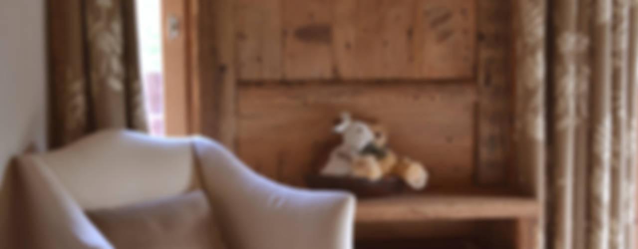 Chalet - Megeve Fr Camera da letto in stile rustico di Andrea Rossini Architetto Rustico