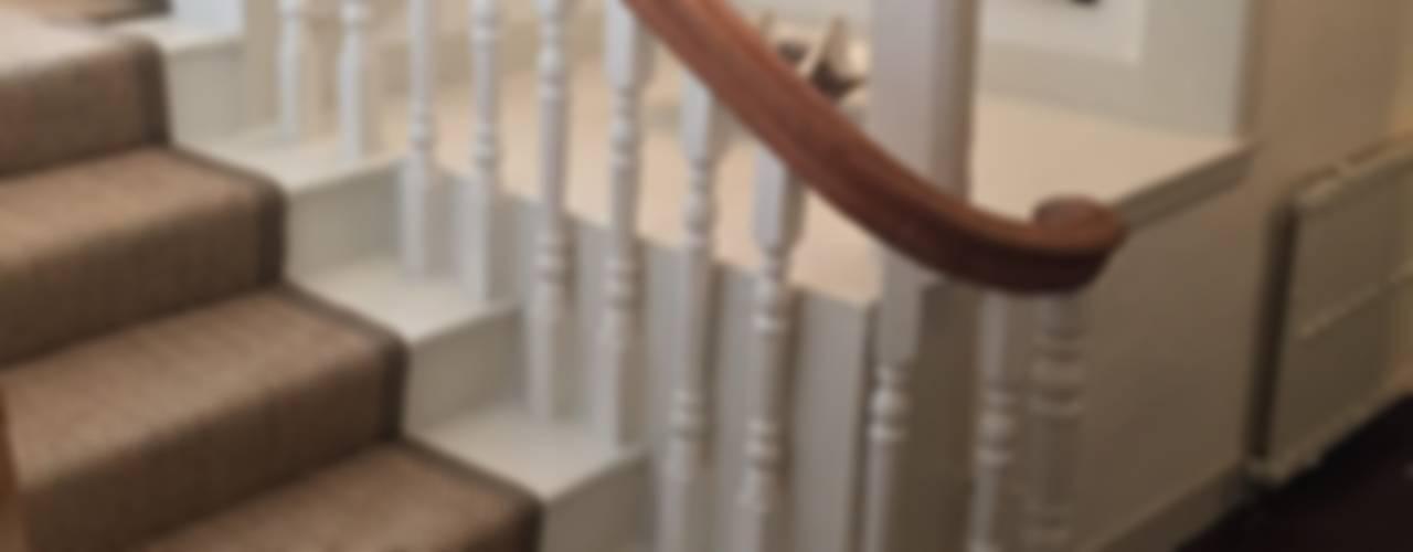 Stairway Projects Corredores, halls e escadas clássicos por Sisal & Seagrass Clássico