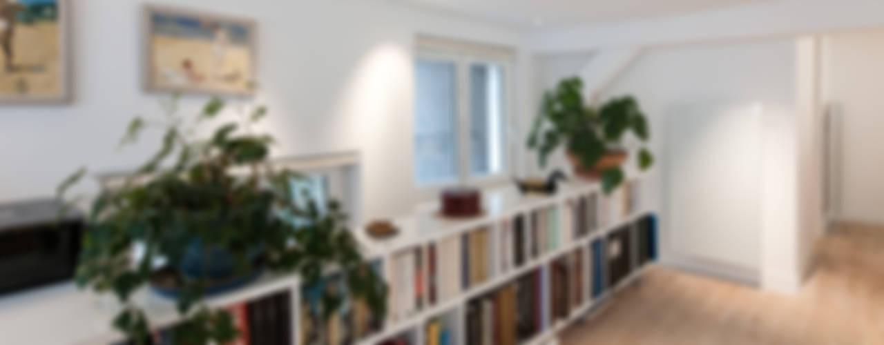 Un loft plus lumineux Bureau moderne par Fables de murs Moderne