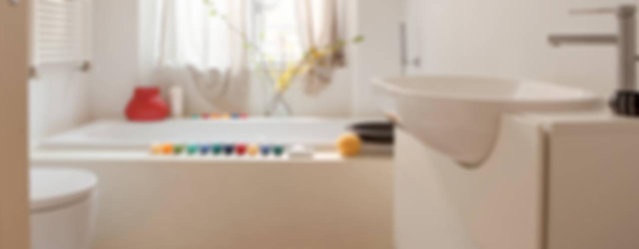 casa PT Bagno moderno di davide petronici | architettura Moderno