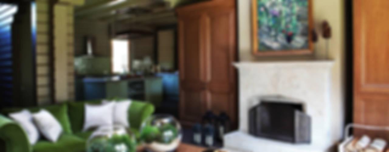 Дом из клееного бруса в Новоглаголево: Гостиная в . Автор – Дизайн бюро Татьяны Алениной, Модерн