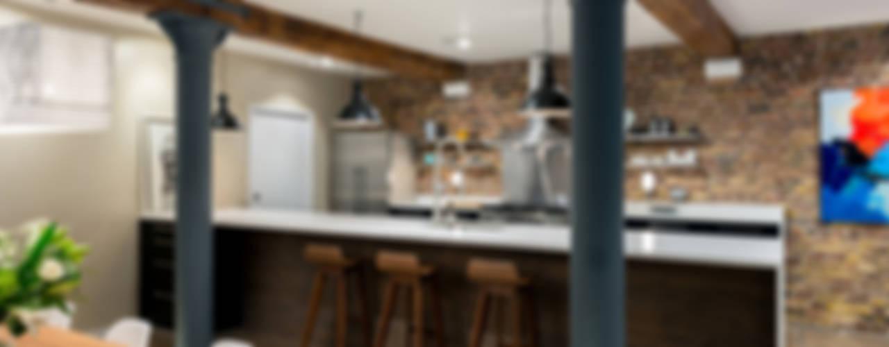Nhà bếp phong cách công nghiệp bởi homify Công nghiệp