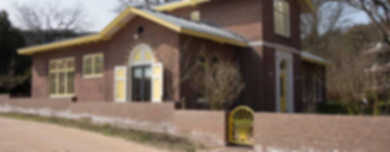 VAN LABORATORIUM NAAR WOONHUIS Landelijke huizen van Architectenbureau Vroom Landelijk